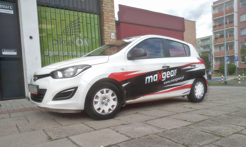 Reklama na samochodzie Maxgear